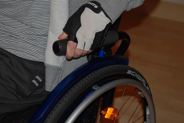 Cómo sentarse bien en la silla de ruedas
