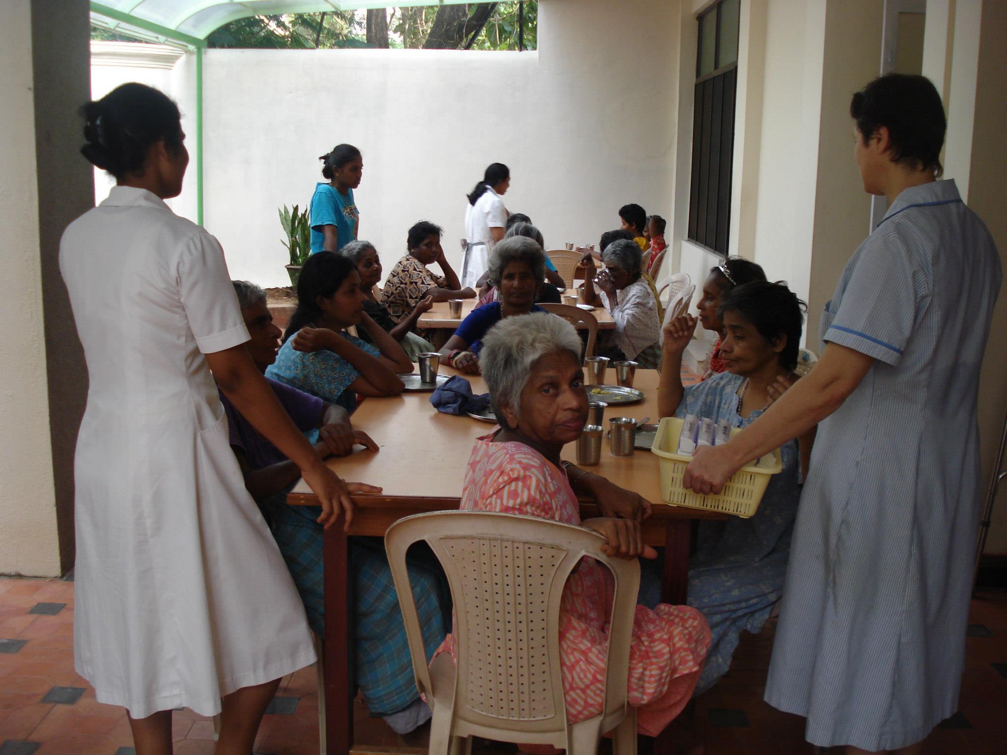 El Hospital Aita menni colabora con el hogar para enfermas mentales de las HH.HH. en Trivandrum (India)