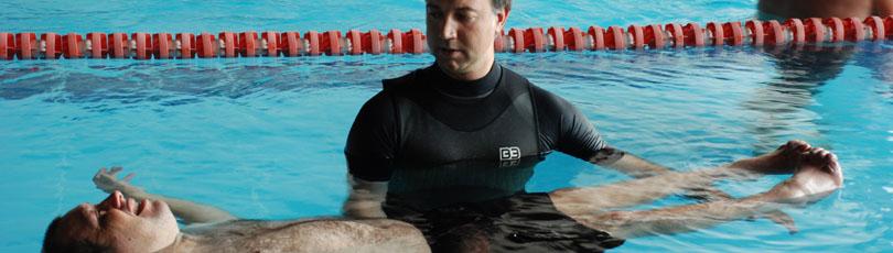 Terapia física en el agua, un buen complemento en la rehabilitación del daño cerebral