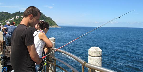 Usuarios del Centro de Día de San Sebastián practican ¡¡la pesca deportiva!!