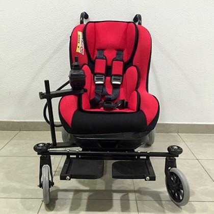 La Unidad de Daño Cerebral de Valencia ahora cuenta con una silla de ruedas eléctrica para niños