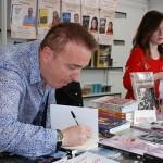 El poeta Iker Latatu continúa cumpliendo con su agenda de autor