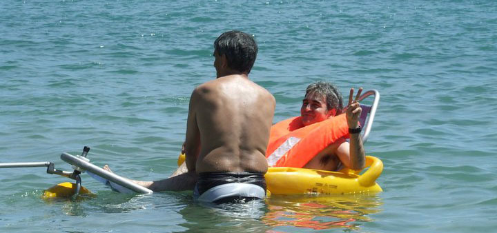 Las personas con daño cerebral también disfrutan de la playa