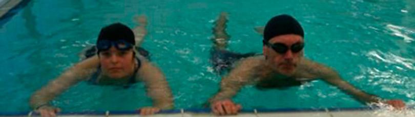 Beneficios del ejercicio en físico en el agua para las personas con DCA