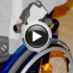 Vídeo. Trasferencias: cómo pasar de la cama a la silla de ruedas.