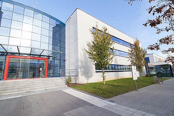 Instalaciones del Centro de Día para Personas con Discapacidad Neurológica Aita Menni de Donostia - San Sebastián