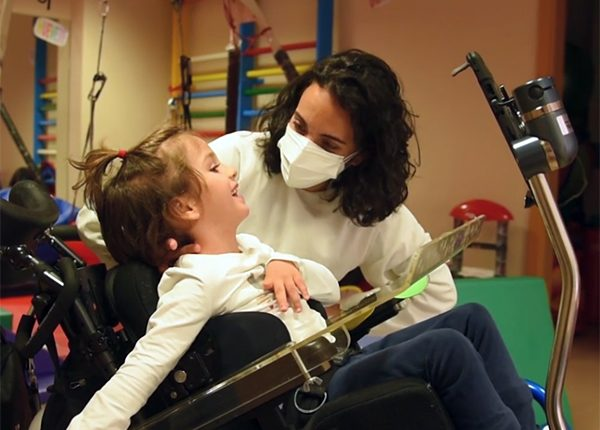 Ofrecemos tratamiento precoz y especializado a la población infantojuvenil con daño cerebral